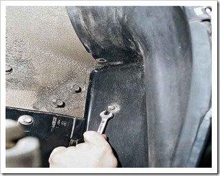 Как снять подкрылок передней колесной арки на ВАЗ 2110