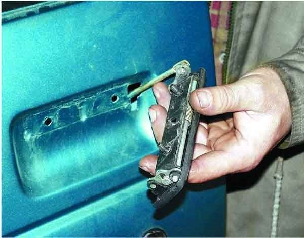 Ремонт ВАЗ 2110 (Лада) Замена внутренней ручки двери