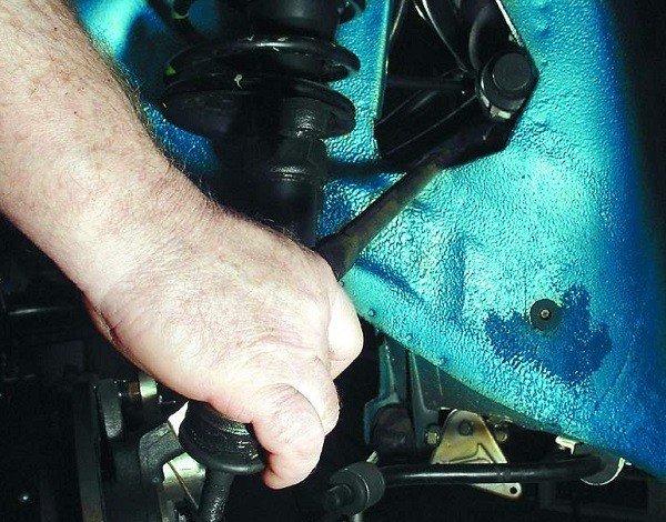 Как поменять рулевую тягу на ВАЗ 2110, 11, 12
