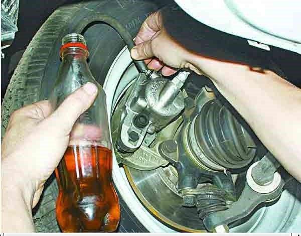 Как прокачать тормозную систему на ВАЗ 2110