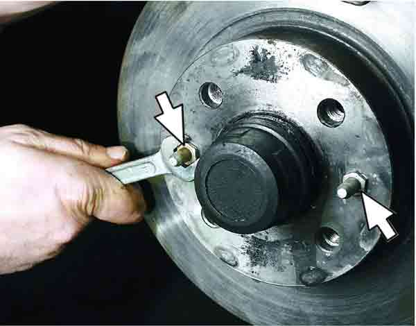 Как поменять тормозной диск на передних колесах ВАЗ 2110, 2111, 2112.