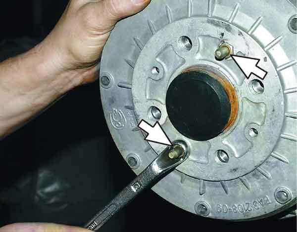 Как поменять тормозной барабан на заднем колесе ВАЗ 2110, 11, 12