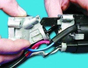 как заменить микровыключатель в замке зажигания