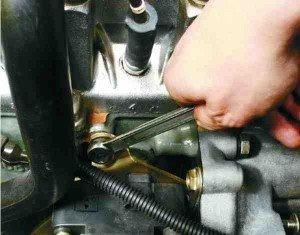 замена модуля зажигания на двигателе 2111