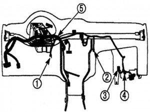 отсоединяем электрические разъемы на панели управления матиза