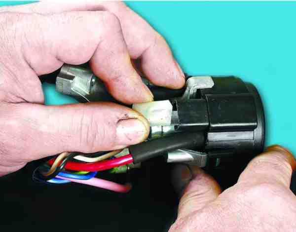 как поменять лампу подсветки замка зажигания на ваз 2110
