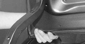 Как снять и установить крышку багажника на рено логан