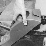 Как снять и установить облицовки туннеля пола на рено логан