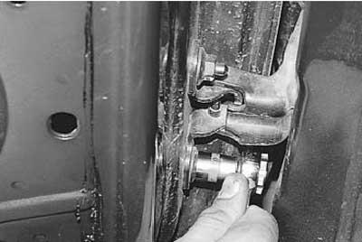 Как снять и установить переднюю дверь на рено логан\ларгус\сандеро