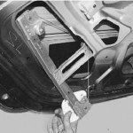 Как заменить стеклоподъемник задней двери на рено логан