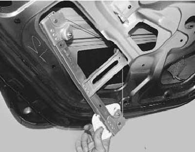 Как заменить стеклоподъемник задней двери на рено логан\сандеро