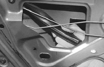 как заменить стекло задней двери на рено логан \ сандеро