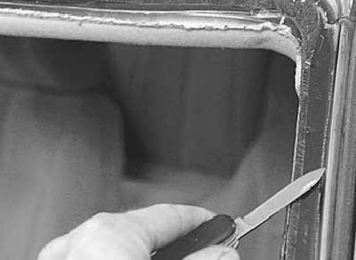 Как заменить лобовое стекло и стекло задка на рено логан