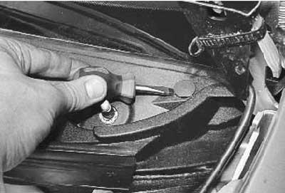 Как снять и установить накладки рамы ветрового стекла на ЛАДА Приора