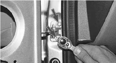 замена ограничителя открывания двери на приоре