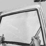 Как заменить стекло задней двери на приоре