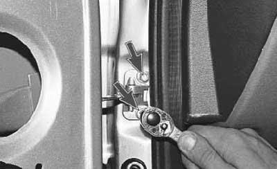Как снять и установить переднюю дверь на приоре
