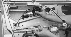 Как снять стеклоподъемник передней двери на приоре