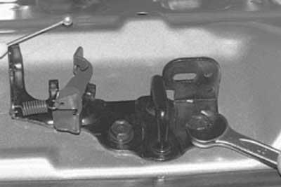 Как снять замок крышки багажника хендай акцент