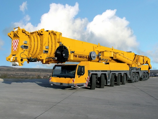 Кран 100 тонн – прорыв в отечественном машиностроении