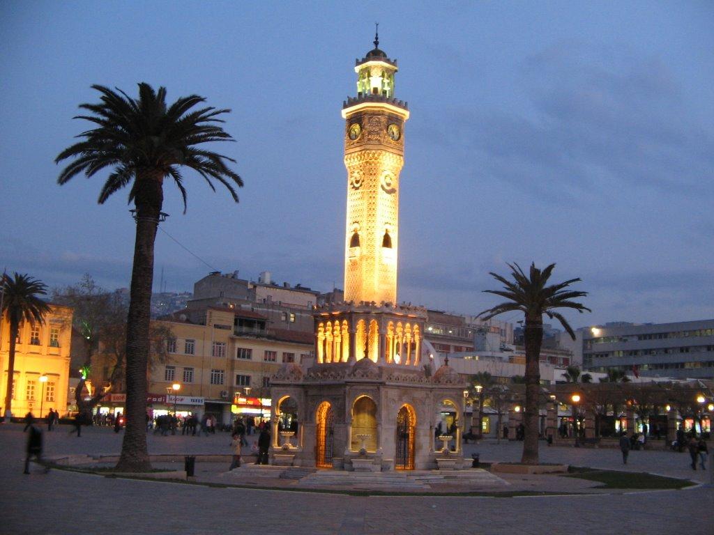 Измир. Башня с часами