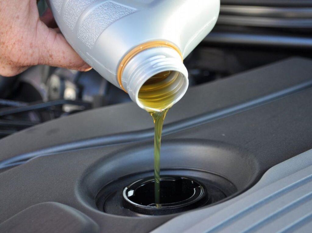 Моторное масло: НС-синтетика или ПАО-синтетика?