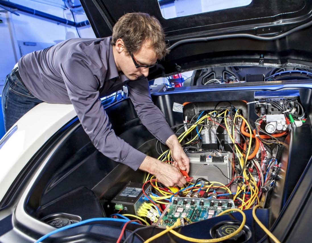 Кратко о работе автоэлектриком